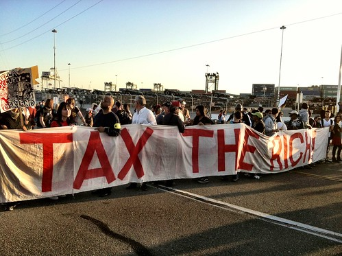 Tax the rich #GeneralStrike #OccupyOakland at port #occupywallstreet