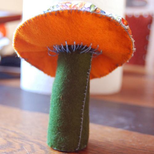 Felt mushroom 19