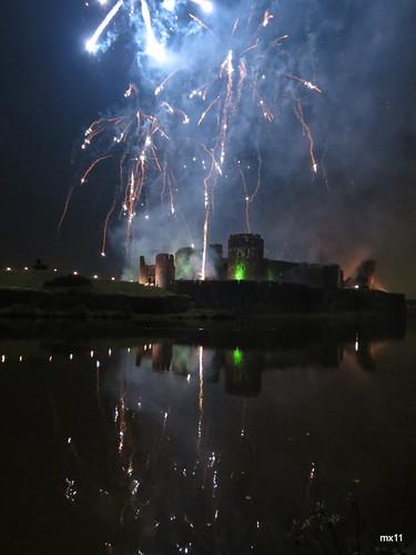 0754 Fireworks & Castle