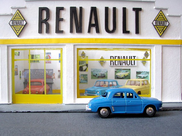 garage renault. Black Bedroom Furniture Sets. Home Design Ideas