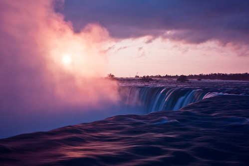 longexposure morning mist fall sunrise niagara falls