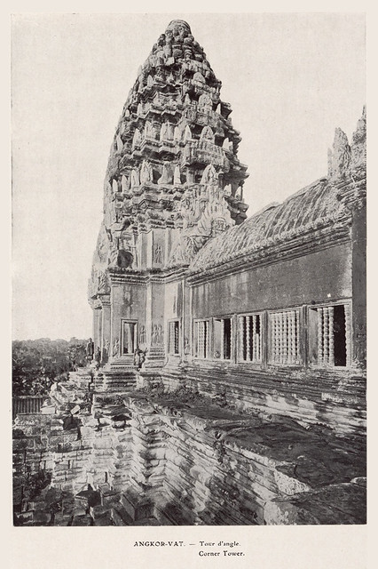 Angkor-Vat -- Corner Tower