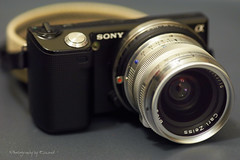 NEX-5 + Carl Zeiss Biogon 2,8/28 mm ZM