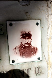 Photo Ceramic: Columbarium of a WWI Soldier, who made ​​it back Home