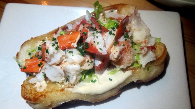 the lobster roll at octopus bar