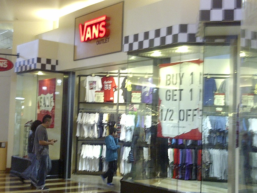 vans magasin mirabel