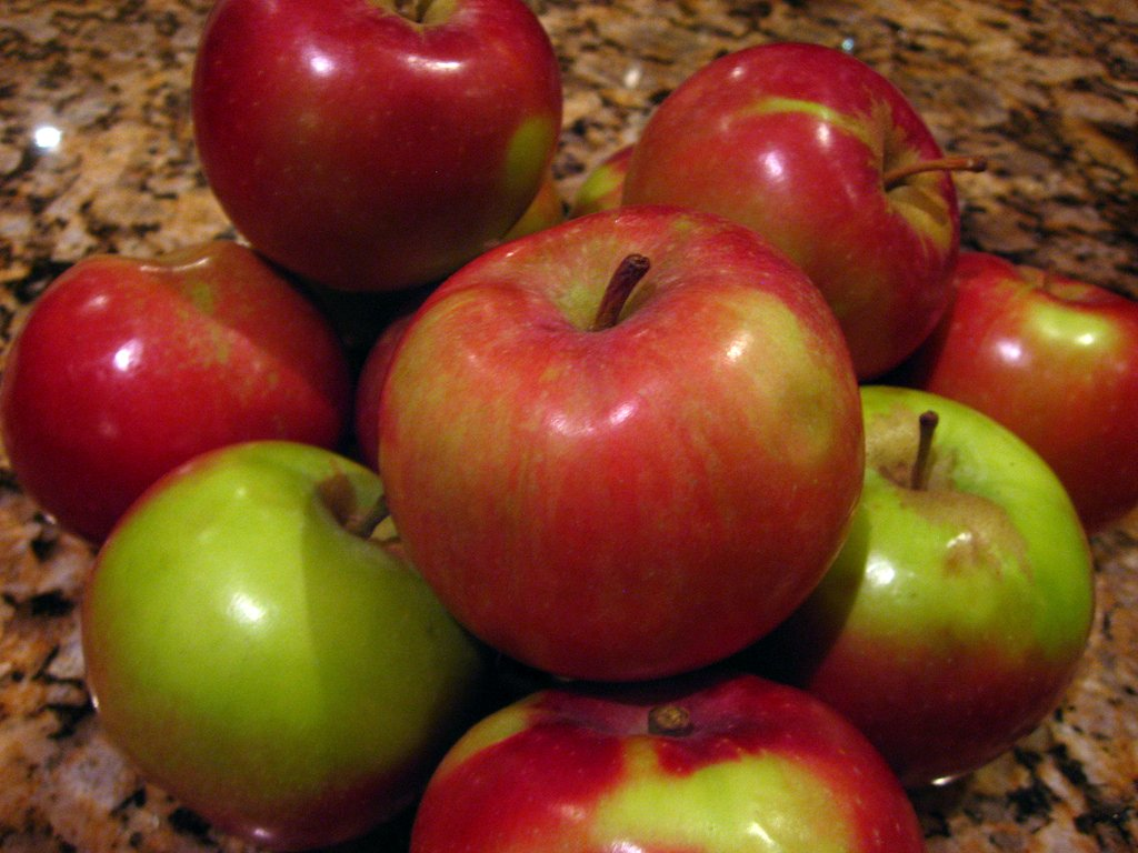 Macintosh Apples