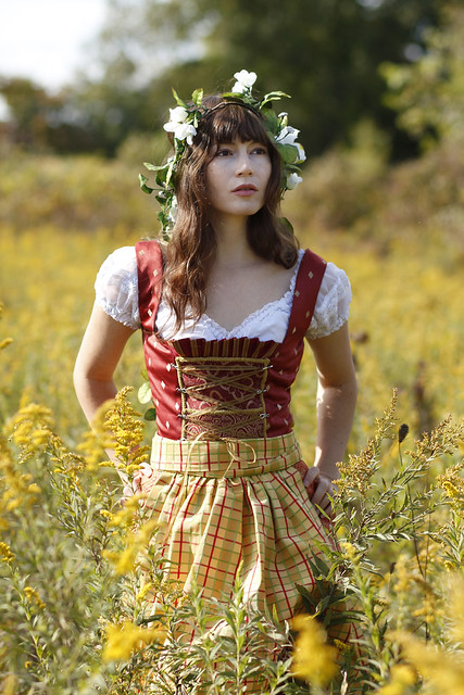 German dirndl dress heidis closet 07 flickr photo sharing for Dirndl fa r mollige