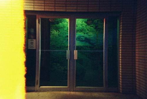 door autumn light green fall film bar night analog dark evening october lomolca burn karaoke endroll 2011 kodakgt800 seahorseinn