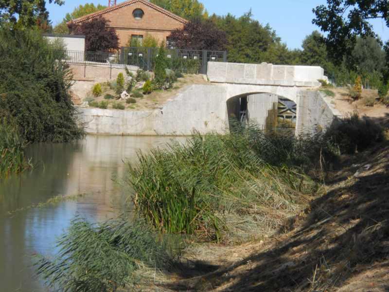 Puente en canal de castilla