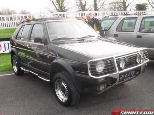 VW Golf Country Chrome Edition