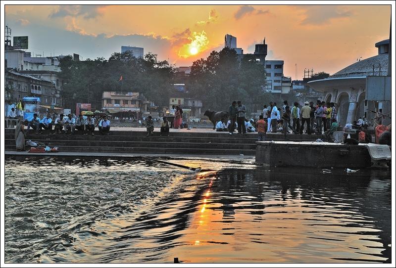 1夕陽下的戈達瓦里河