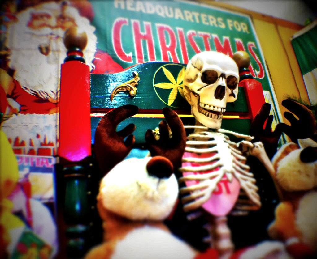 Christmas Store, Halloween