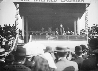 Sir Wilfrid Laurier at New Westminster, British Columbia, August 24, 1910 /Sir Wilfrid Laurier à New Westminster, Colombie-Britannique, 24 août 1910