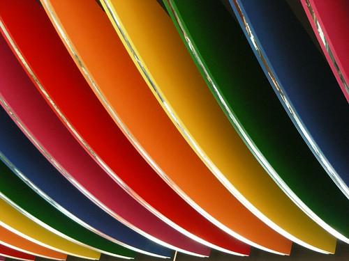 como dizer as cores do arco iris em outras linguas