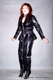 Cm black leather suit office 1 comtesse monique flickr - Flickr Leathertrans Photostream