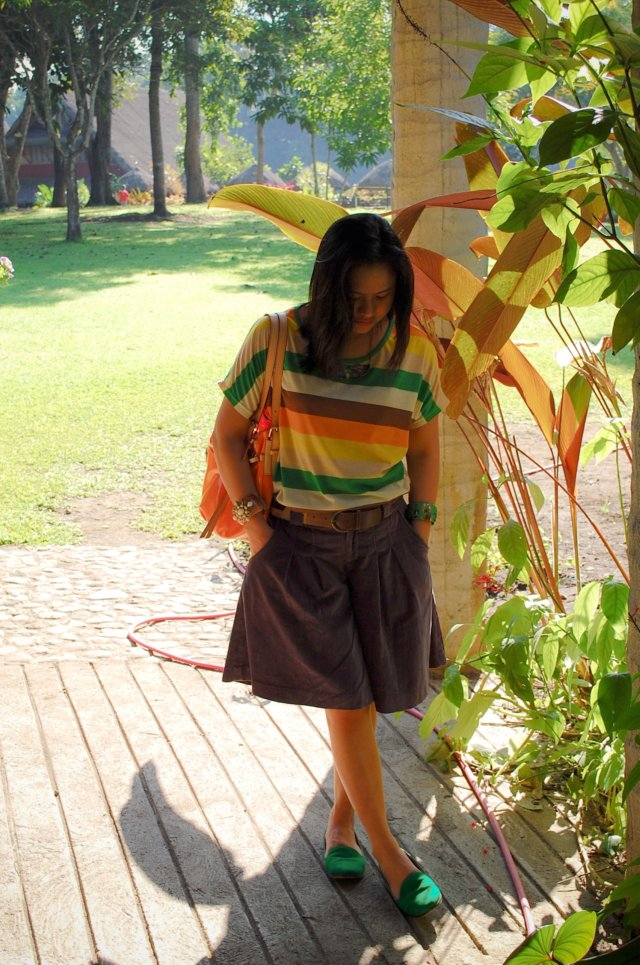 Denise Katipunera, Pinay Fashion Blogger, Mommy style, Fashion on budget, butterfly necklace, colorful stripes, orange patent purse, dooney and bourke
