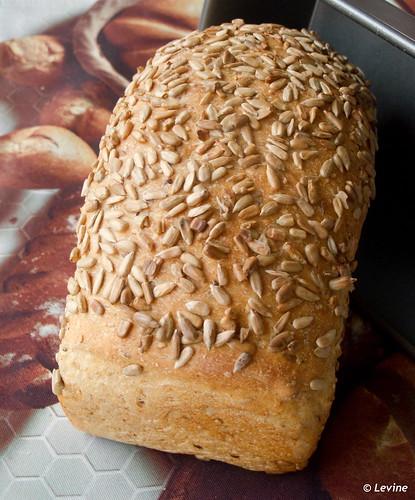 Brood met veel zaadjes / Many-Seed Bread