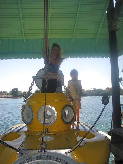 family adventure passenger submarine roatan honduras