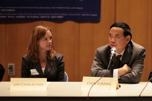 Gretchen Alther (left) is a member of the AFSC-NERO Peace & Economic Security Committee & on the staff of the Unitarian Universalist Service Committee. Chen Duming is Assistant General Secretary of the Chinese Peoples Association for Peace and Disarmament