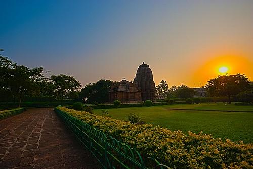sunset india monument architecture ancient historical orissa hdr ind sigma1020mm manualhdr nikond80 rajaranitemple bubhaneshwar bhubhaneshwar