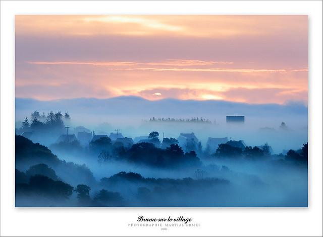 Brume sur le village