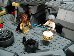 7965 Millennium Falcon Review: interior