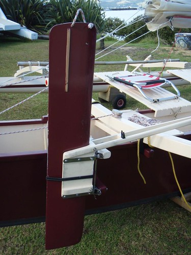 kick back dagger rudder outperforms swinging sailboat rudders in almost every situation