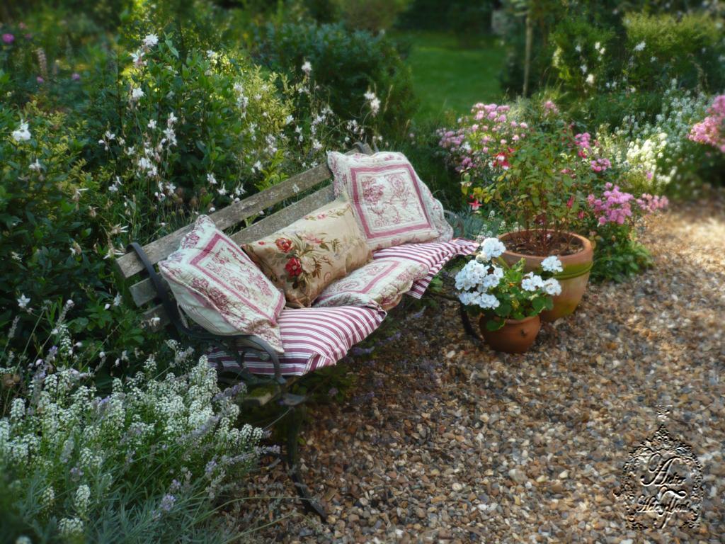 Octobre Au Jardin Alysse Gaura Et Geranium Blanc Flickr
