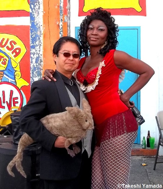 Seara (sea rabbit), Dr. Takeshi Yamada and mermaid at the amusement park district in Coney Island, Brooklyn, New York. (September 18, 2011) 20110918 100_2919