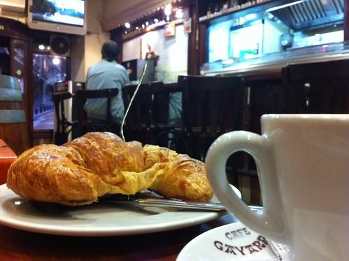 CAFE GAYARRE, Iturribide Bilbao by LaVisitaComunicacion