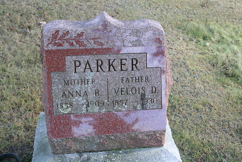 Tombstone of Velois and Anna Parker
