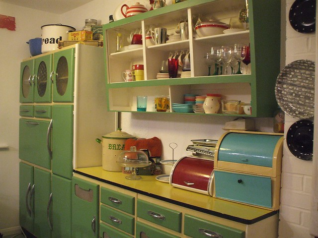 Whitney 39 s revamped kitchen flickr photo sharing for 60s kitchen ideas