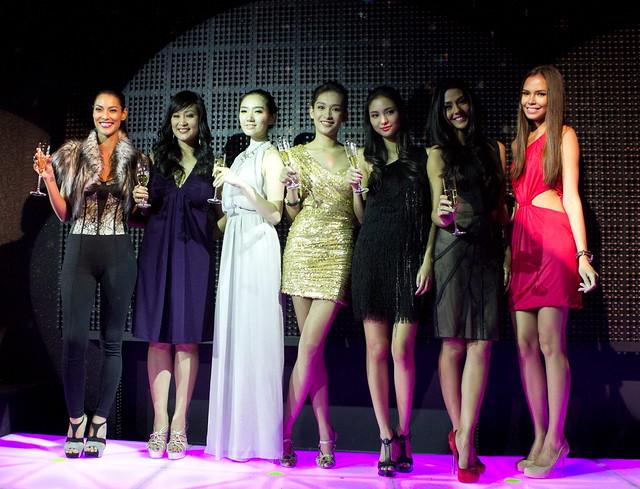L-R Joey Mead, Myrza Sison, Jessica Yang, Bea Soriano, Ana Sideco, Vanessa Matsunaga, Samantha Lewis