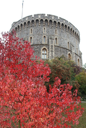 Windsor Castle by krishorvath81 on Flickr.  Used through creative commons.