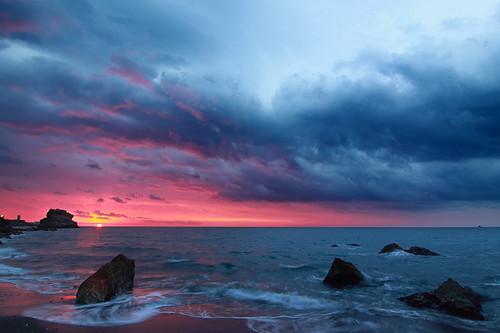 sea night clouds sunrise mar cloudy amanecer nubes rocas roks 5191 peñondelcuervo quinoal doubleniceshot tripleniceshot mygearandmediamond paseodeloscanadienses artistoftheyearlevel2
