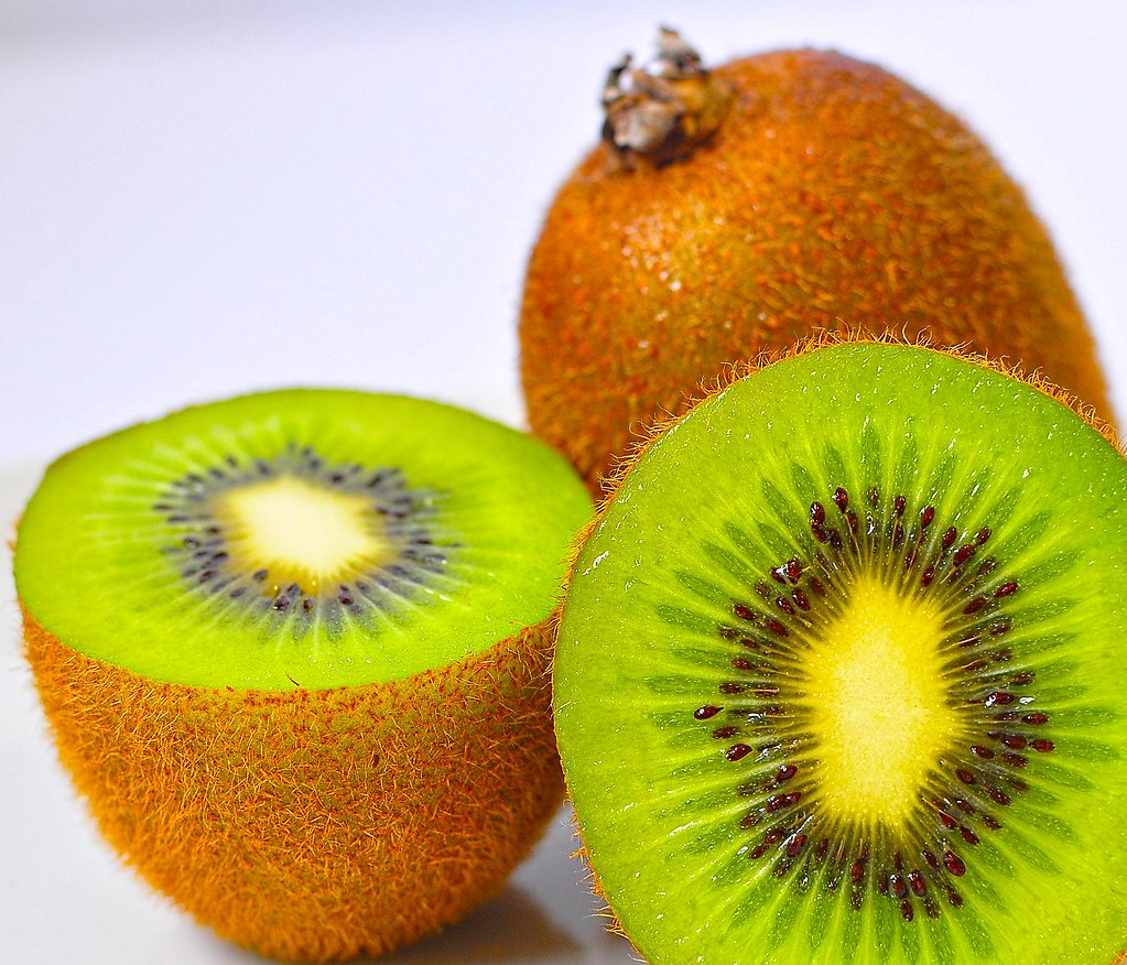 kiwi kiwifruit, green, raw