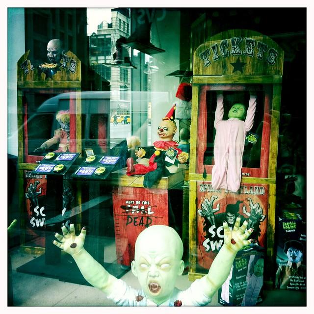 4 reviews of Spirit Halloween Store