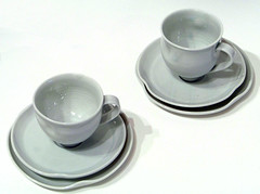 porcelain cups and saucers set