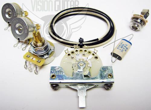 fender premium vintage 39 57 strat wiring upgrade kit matched cts pots luxe cap. Black Bedroom Furniture Sets. Home Design Ideas