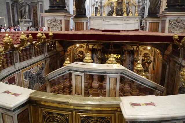 歷代教宗之墓