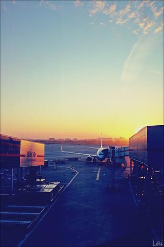 fall plane sunrise geotagged fujifilm yyz baseman 2011 x100 torontopearsoninternationalairport bmca