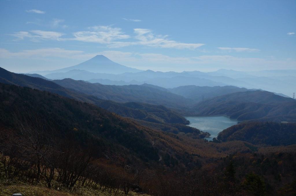 富士山と大菩薩湖