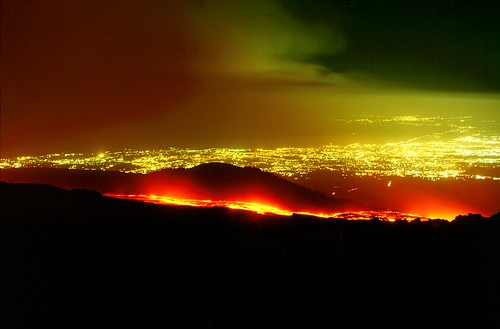 The lava and the city (Etna, 2001)
