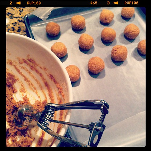 Shape into balls #cakeballs #pumpkin