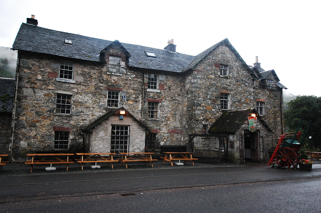 Drovers Inn on Loch Lomond