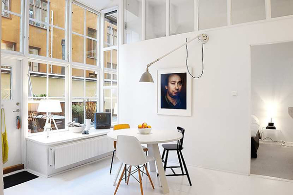 bright-color-accents-loft-apartment-stockholm-6