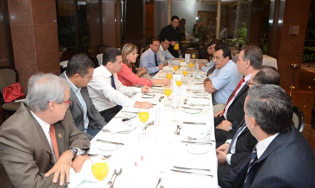Marconi Perillo em encontro com prefeitos das cidades do Entorno do DF