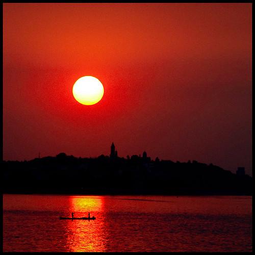 sunset sun tower sol del clouds sunrise river soleil tramonto sonnenuntergang coucher du puesta danube zemun dunav dorcol gardos