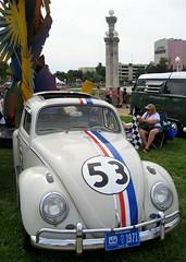 wheel(0.0), sports car(0.0), automobile(1.0), volkswagen beetle(1.0), volkswagen(1.0), vehicle(1.0), automotive design(1.0), porsche 356(1.0), mid-size car(1.0), subcompact car(1.0), city car(1.0), antique car(1.0), vintage car(1.0), land vehicle(1.0), motor vehicle(1.0),